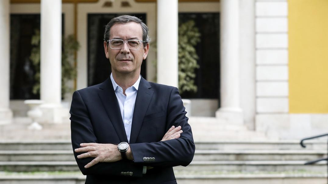 """Se fosse primeiro-ministro, o que fazia? Francisco Seixas da Costa: """"Voto obrigatório"""""""