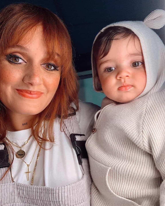 """Carolina Deslandes e filho mais novo: """"Acham que somos parecidos?"""""""