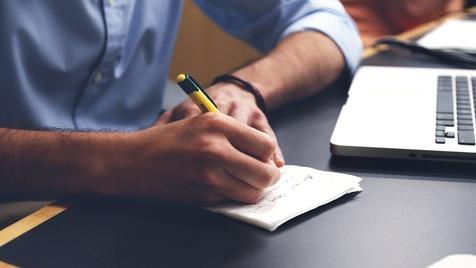 E se pudéssemos escrever para esquecer?