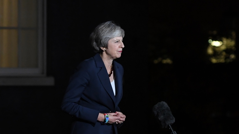 Brexit: Aprovação do rascunho do acordo inicia processo difícil para Theresa May