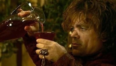 """""""A Guerra dos Tronos"""": som de dragão foi gravado com... gritos de fãs bêbados"""