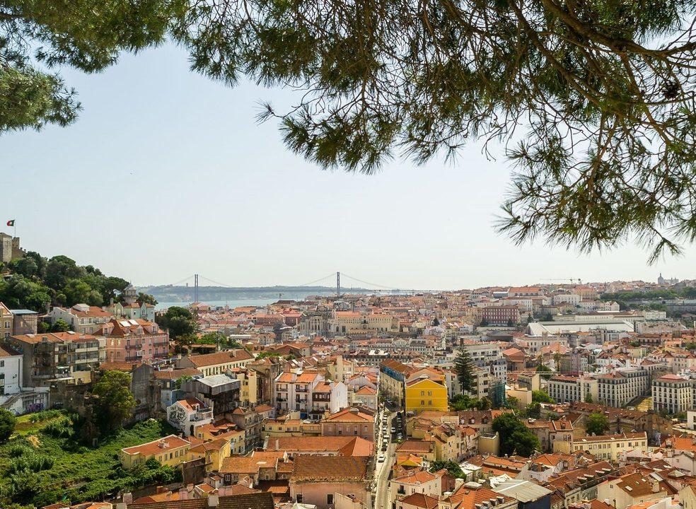 """New York Times vê uma Lisboa """"próspera"""". Mas o boom do dinheiro estrangeiro está a sair caro aos residentes"""