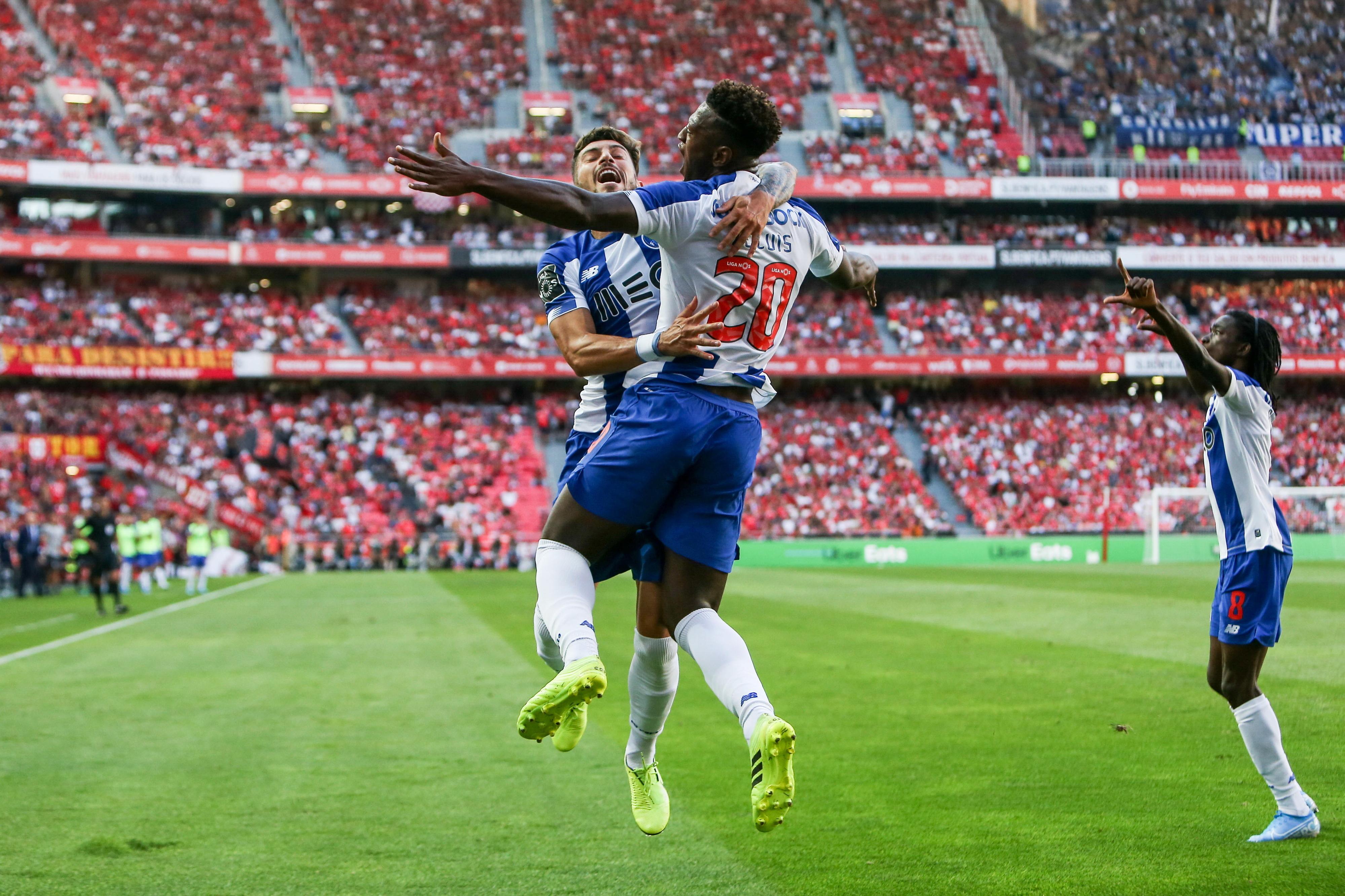 SÍNTESE: FC Porto vence clássico na Luz e Famalicão pode ser líder isolado