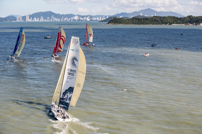 Volvo Ocean Race: Seis equipas competem na regata In-Port de Itajaí