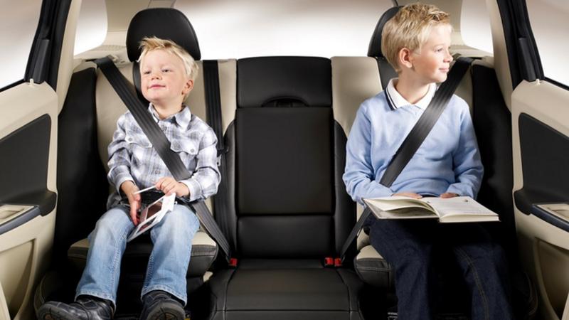 Volvo celebra os 40 anos do Assento Elevatório de Criança