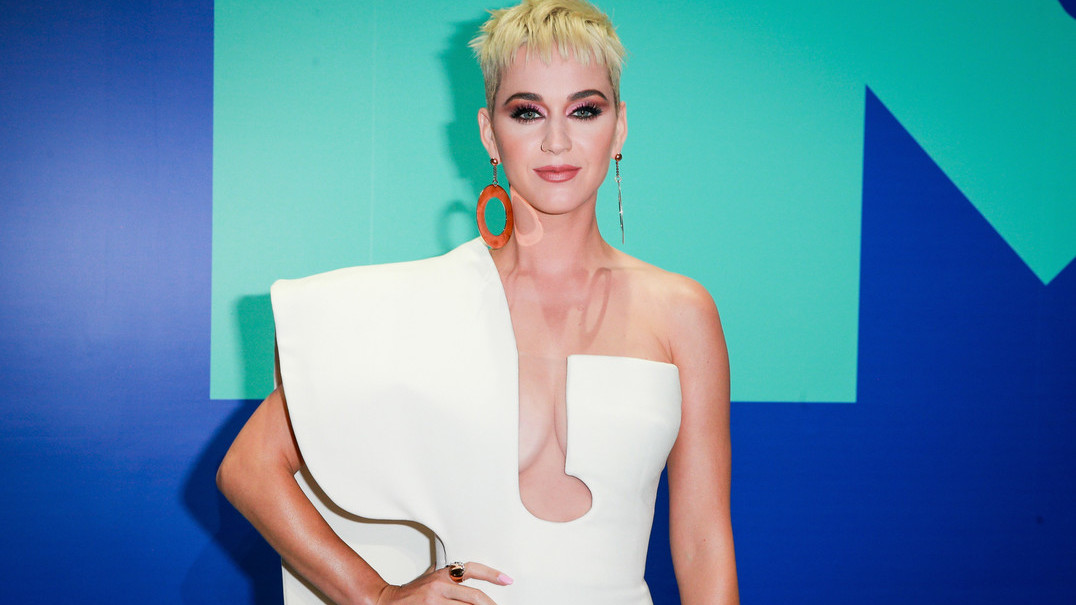 """Na língua de Camões, Katy Perry confirma: """"O meu tetravô é Português"""""""