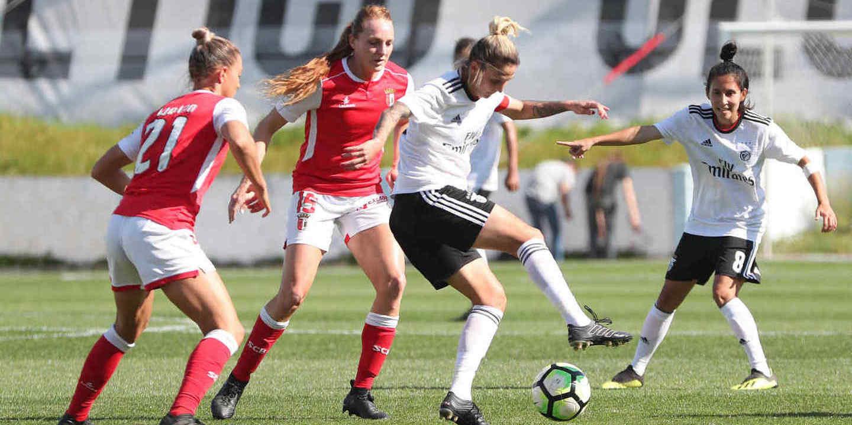 E ao 23º jogo, a equipa de futebol feminino do Benfica conheceu o sabor da derrota