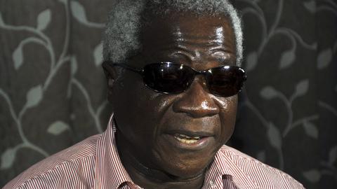 Renamo diz que líder só sai das matas após acordo com Governo