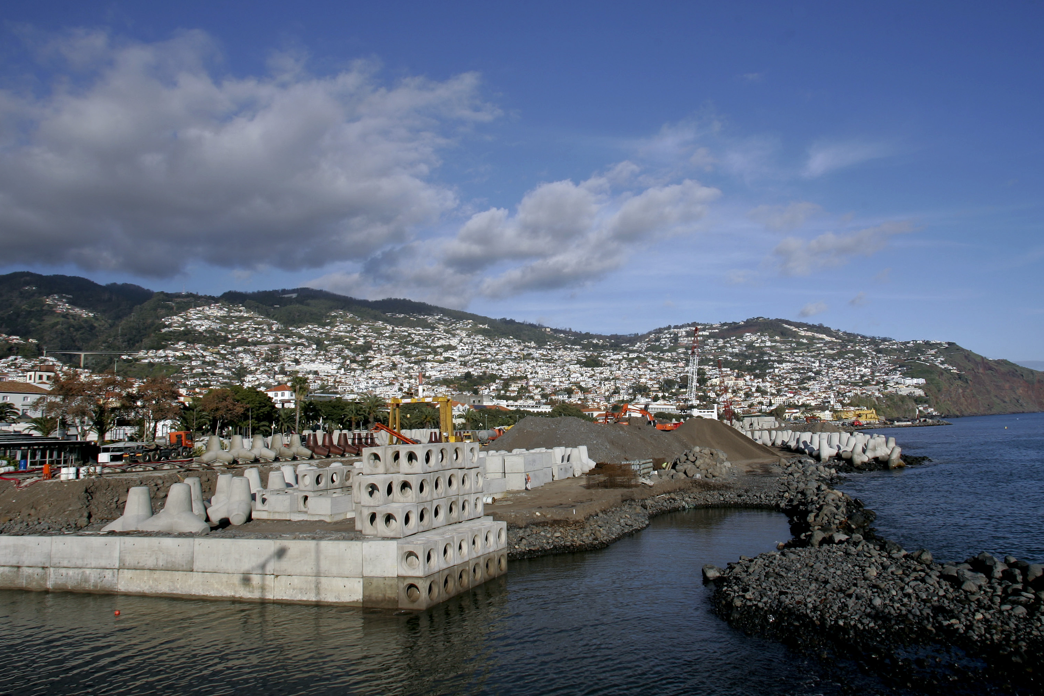 Navegação. Mau tempo obriga a cancelar primeiro 'turnaround' do porto do Funchal