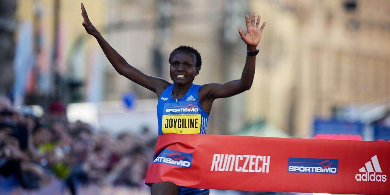 Jepkosgei vence meia-maratona de Valência com recorde mundial
