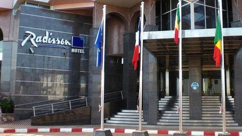 Belgas e franceses entre vítimas mortais de ataque a hotel no Mali