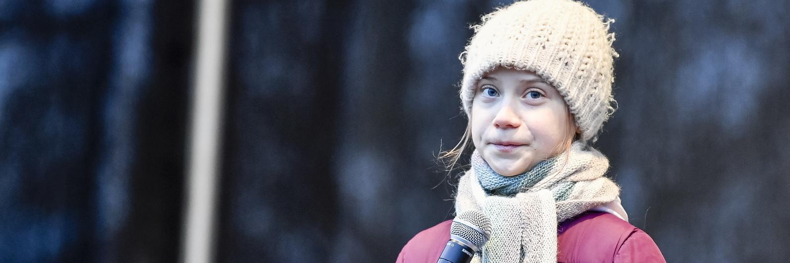 Ativista Greta Thunberg e dezenas de milhares de jovens paralisam Hamburgo