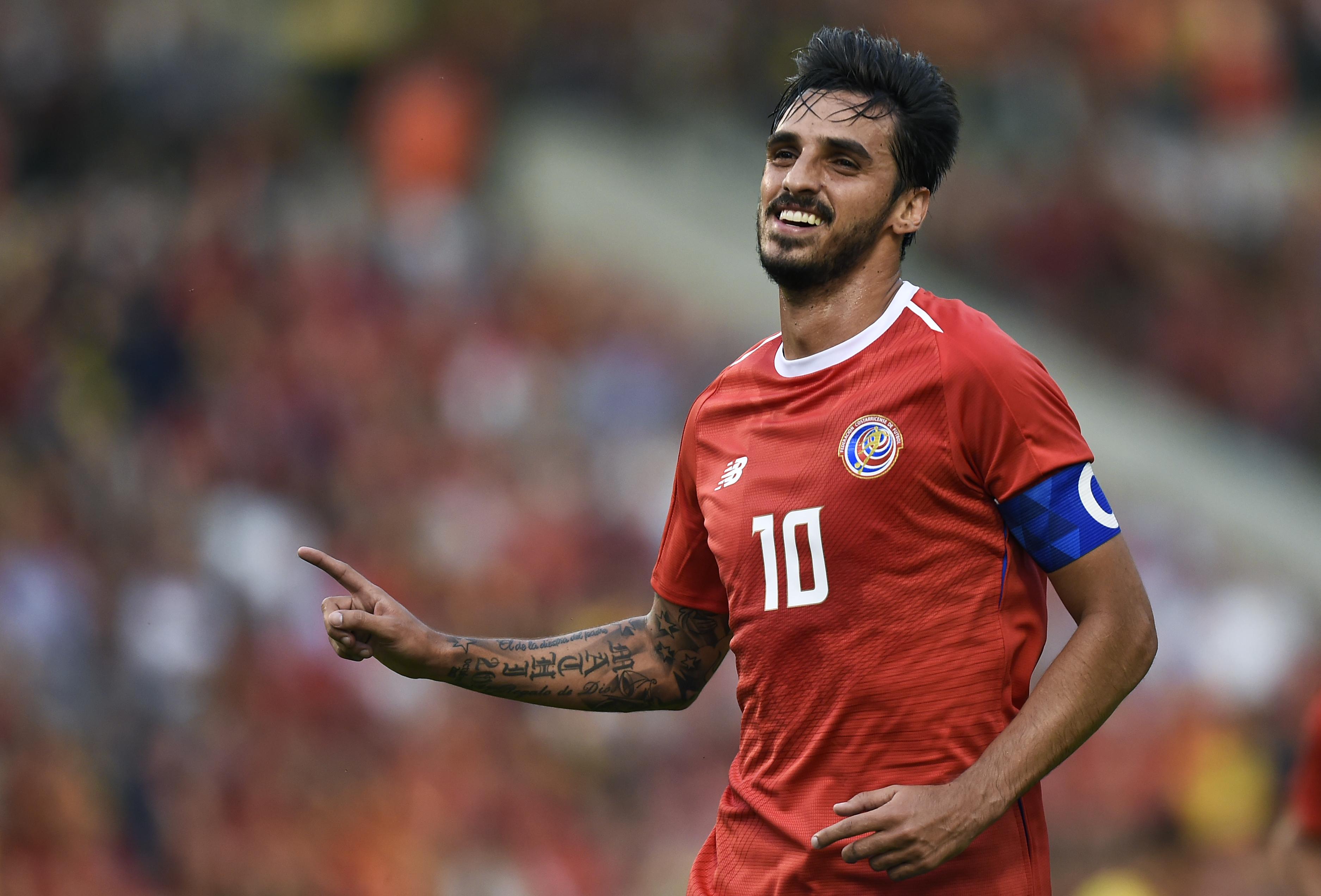 """Bryan Ruiz diz que Costa Rica sai do torneio """"de cabeça levantada"""""""