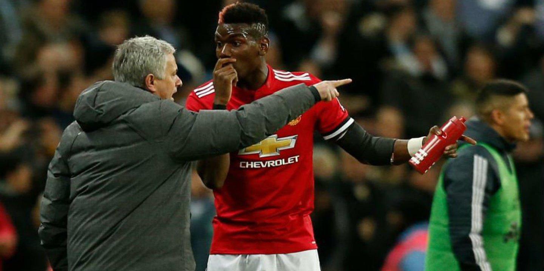 """Mourinho para Pogba: """"Olha para o letreiro da porta que diz ´Treinador'. Eu é que sou o chefe'"""""""
