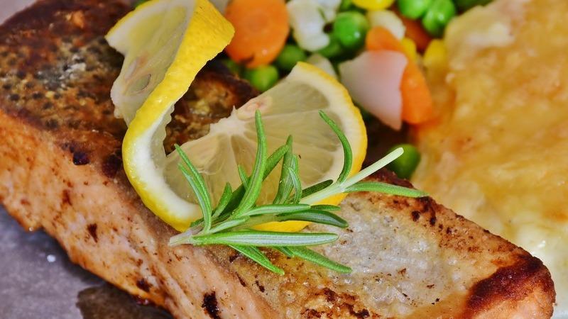 Alimentação na menopausa: o que comer e o que evitar