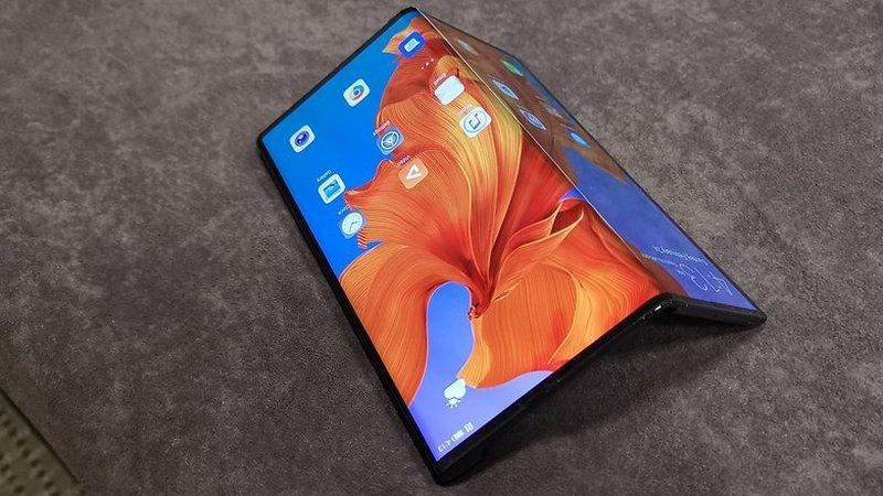 Huawei Mate X esgota em menos de um minuto na China