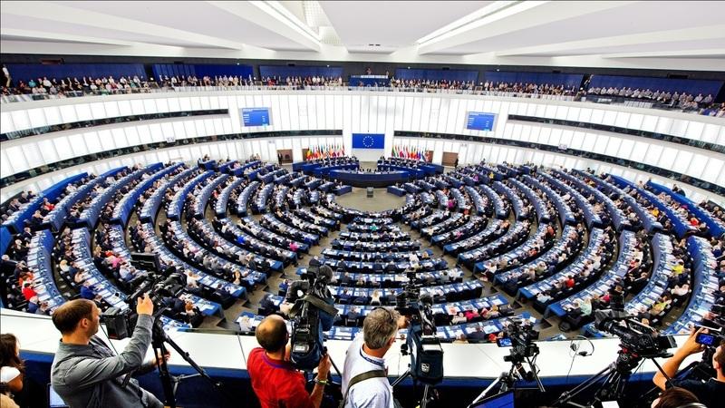 UE aprova diretiva para facilitar acesso a sites e apps da Administração Pública