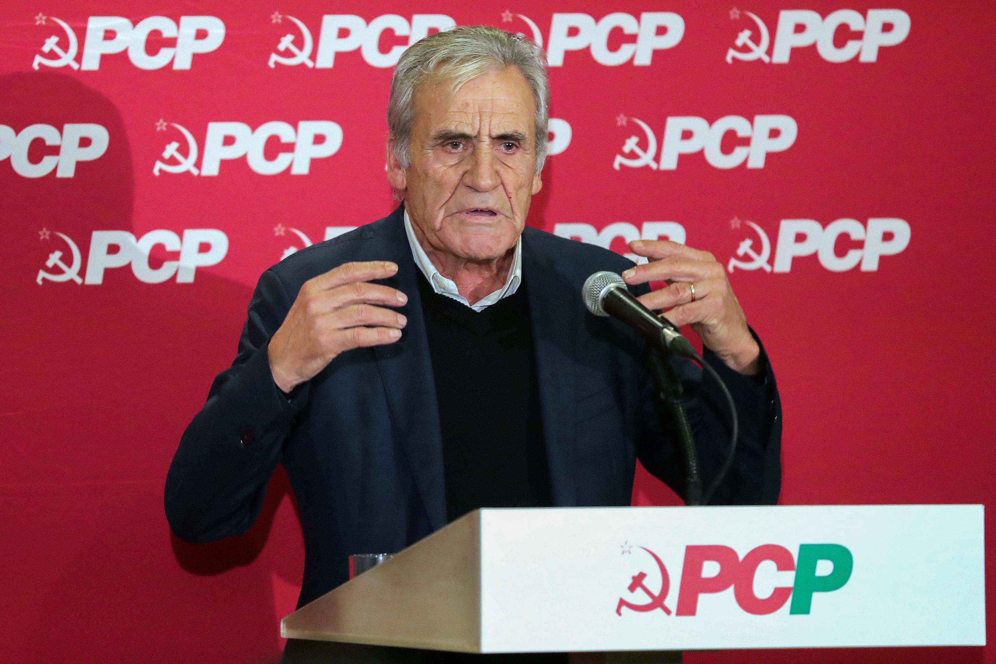 Jerónimo diz que PCP não vota orçamentos 'a priori' e promete voltar à regionalização