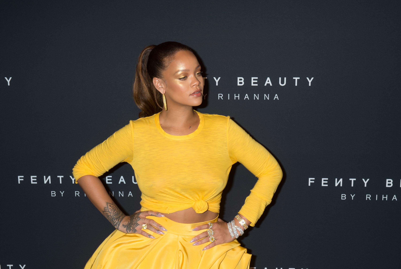 Rihanna lançou o primeiro single há 15 anos: de menina de Barbados a estrela pop, quem a viu e quem a vê