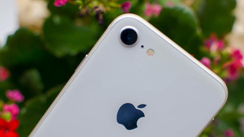 Apple terá uma versão do iPhone de baixo custo previsto para março