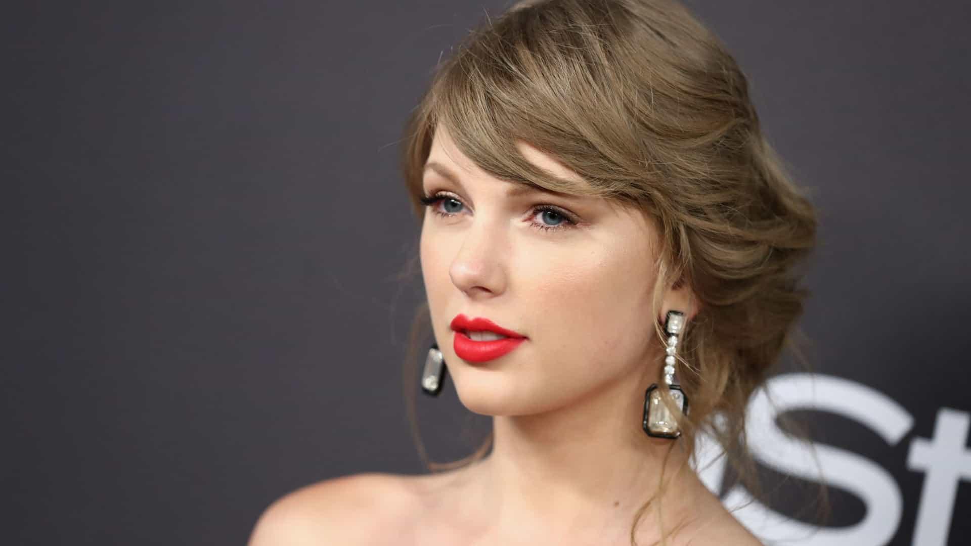 Taylor Swift lança linha de roupa em colaboração com Stella McCartney