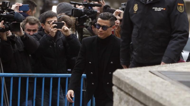 Cristiano Ronaldo reconhece fraude fiscal e paga multa de 18,8 milhões de euros