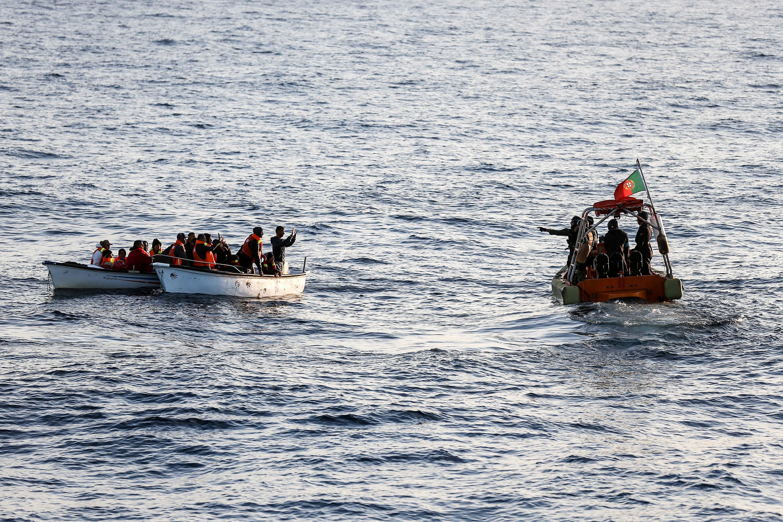 Polícia Marítima portuguesa resgata 32 afegãos migrantes na Grécia