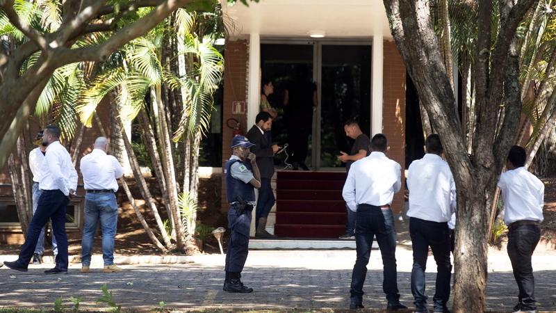Brasil: Apoiantes de Guaidó abandonam embaixada da Venezuela após 12 horas de ocupação