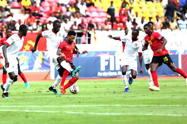 Futebol/Angola: Gâmbia volta a cruzar-se no caminho de Angola