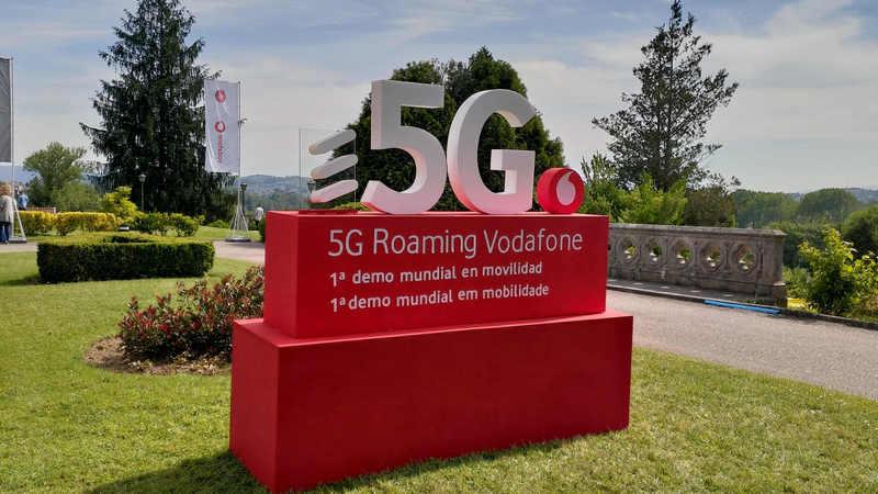 """Vodafone apresenta """"primeira ligação transfronteiriça 5G do mundo em mobilidade"""" e demonstra tecnologia com campeões de eSports"""