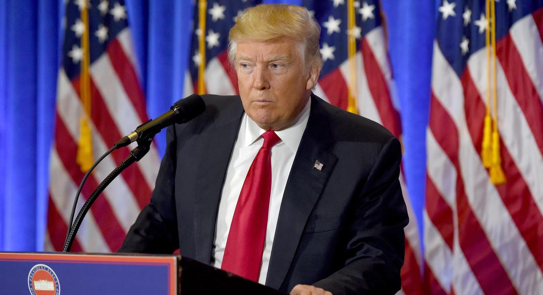 Democratas avançam com acusações formais contra Trump em processo de destituição