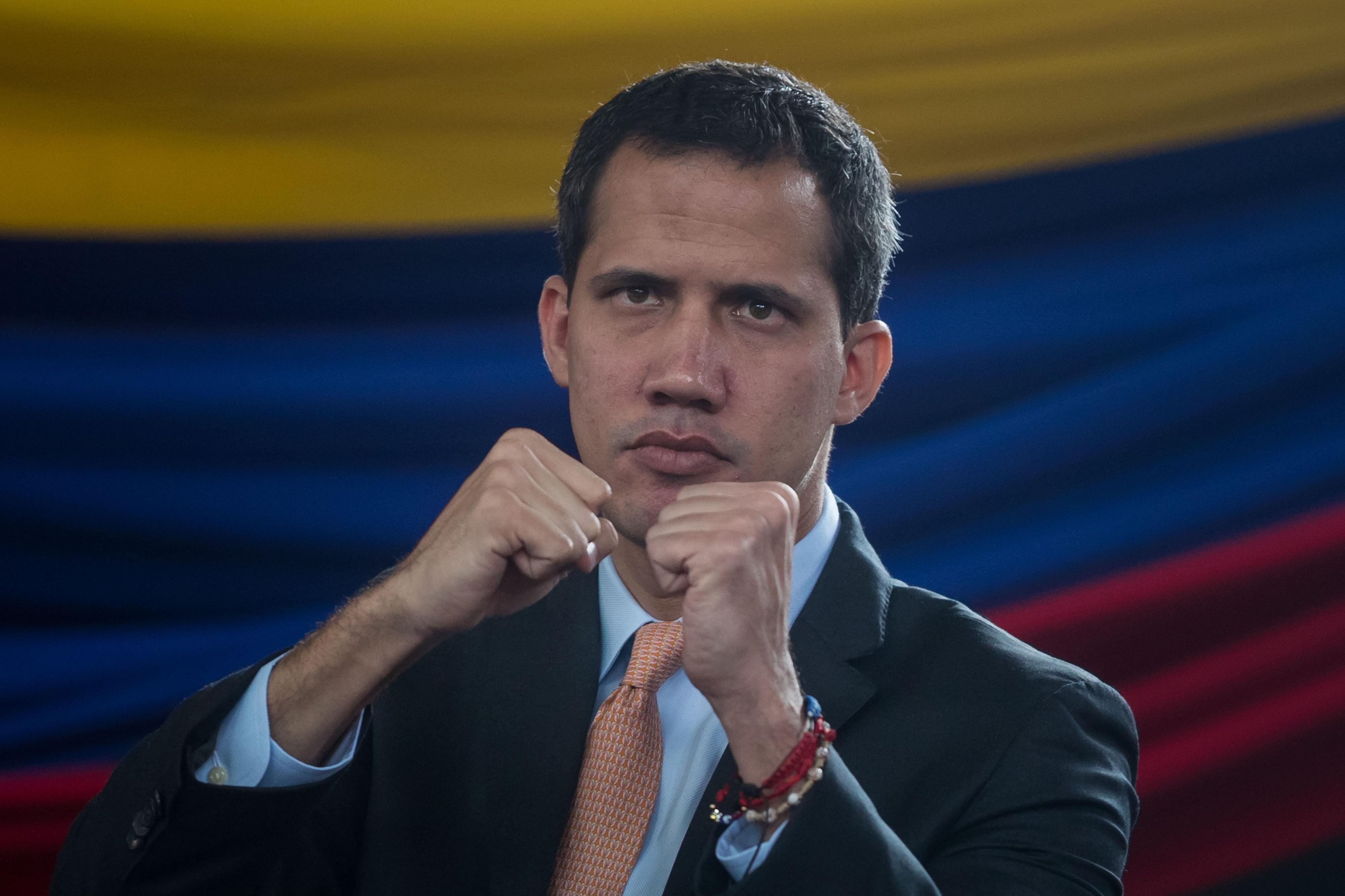 Juan Gaidó viaja para a Colômbia para se reunir com Mike Pompeo