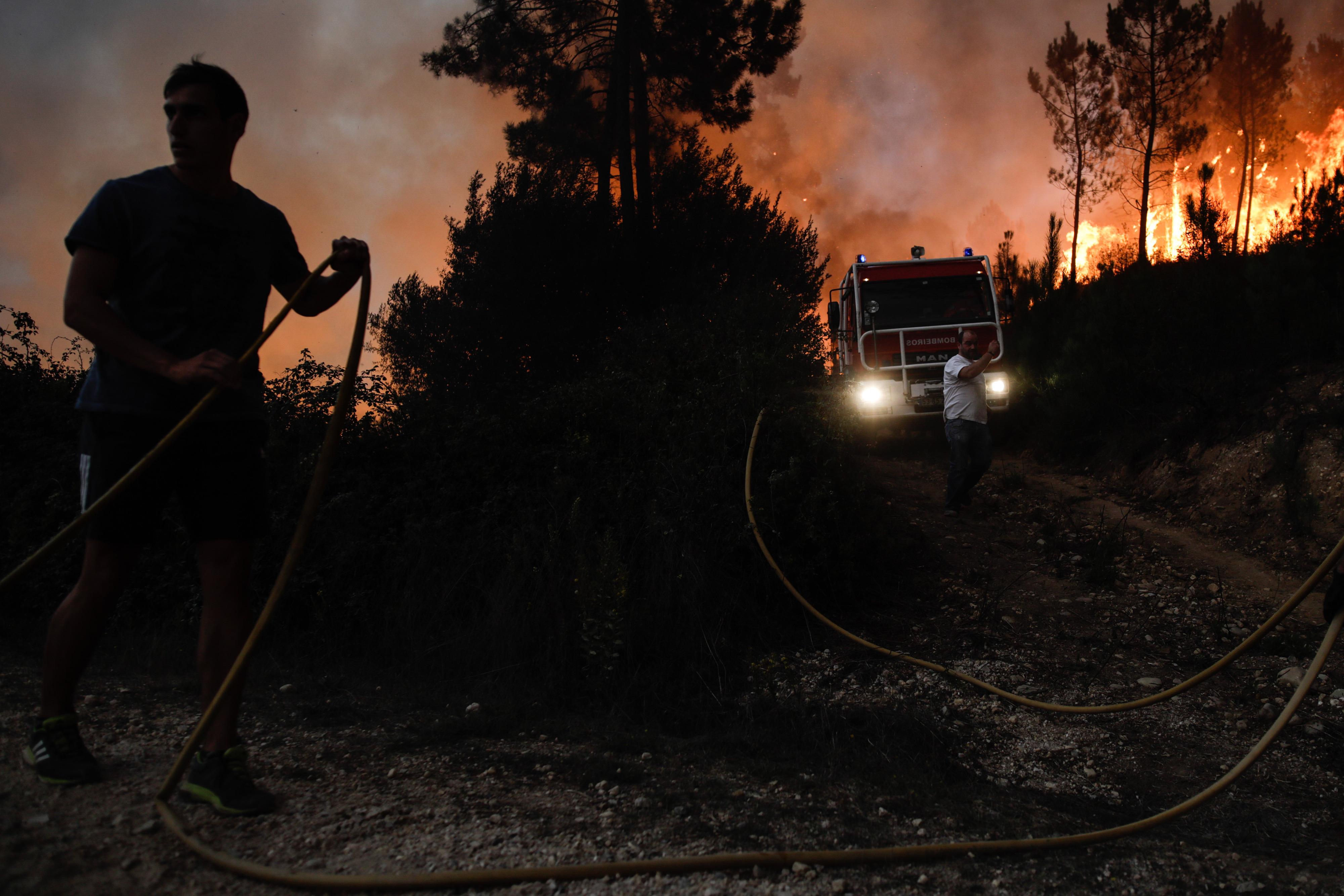 Ministério Público abre inquéritos sobre incêndios deste domingo