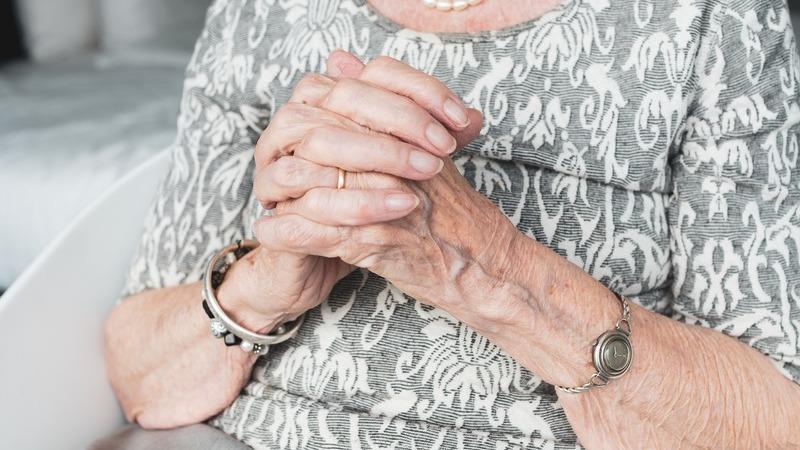 COVID-19: DGS emite novas orientações para lares de idosos durante fase de mitigação