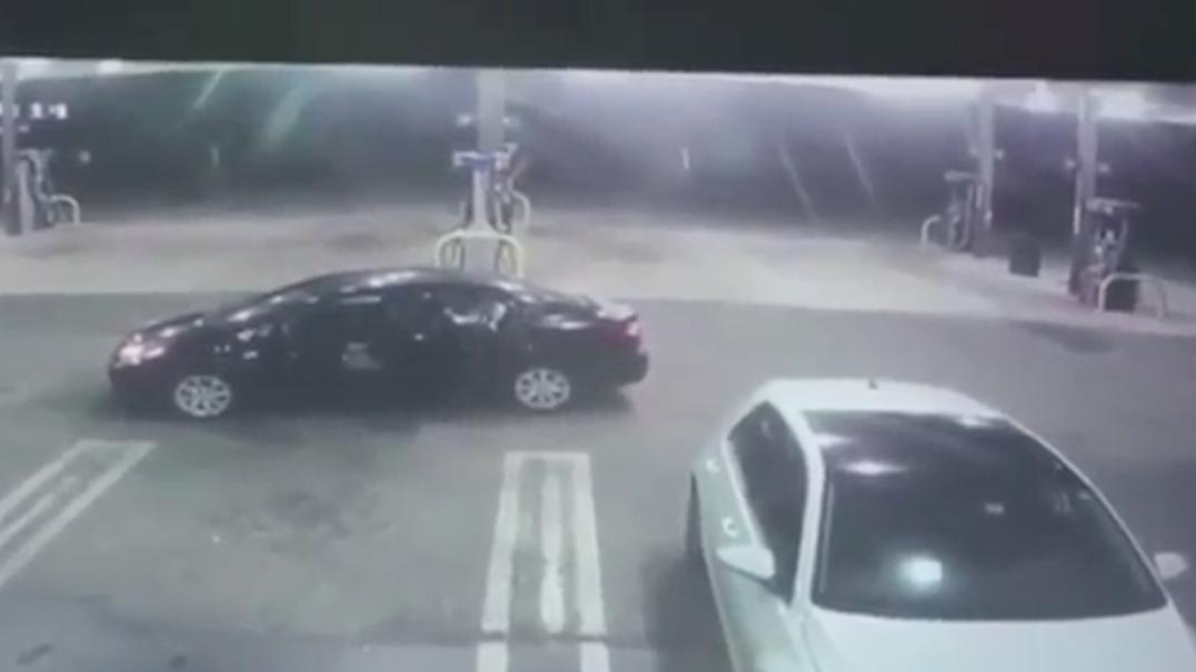Ladrão em pânico devolve bebé que encontrou em carro roubado