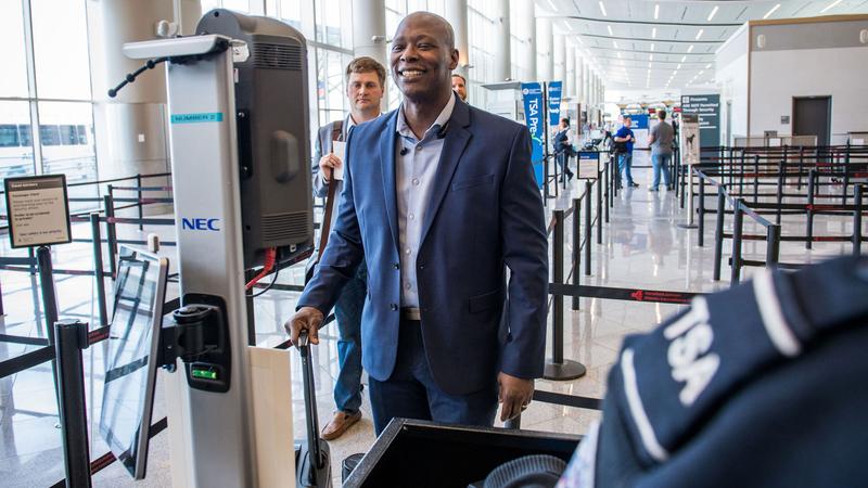 EUA rejeitam obrigatoriedade do reconhecimento facial de cidadãos norte-americanos em aeroportos