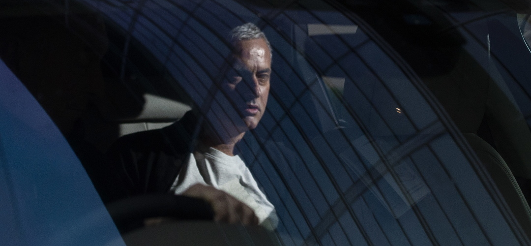 """Mourinho confessa que já disse """"não a umas três ou quatro ofertas de emprego"""""""