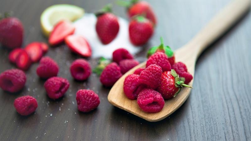 Gosta de frutos vermelhos? Então experimente estes batidos