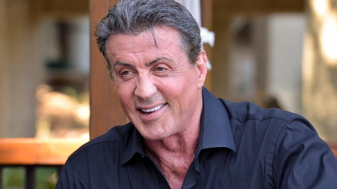 """O vídeo em que Sylvester Stallone """"ressuscita"""" após notícias sobre a sua morte"""