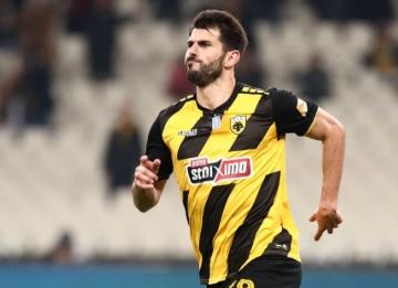 AEK Atenas vence com três golos portugueses. Olympiacos e PAOK lutam taco a taco