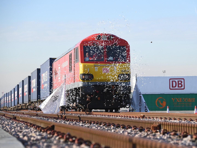 Ao fim de 3 semanas, o primeiro comboio direto de Londres à China já chegou ao destino