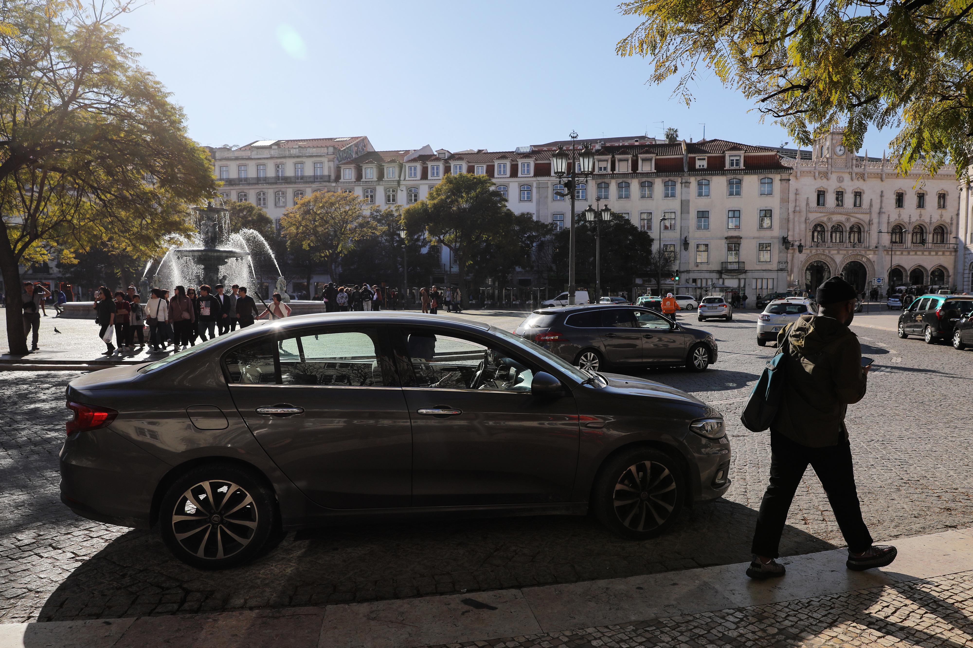 Câmara de Lisboa vai negociar avenças em parques para moradores da envolvente da Baixa