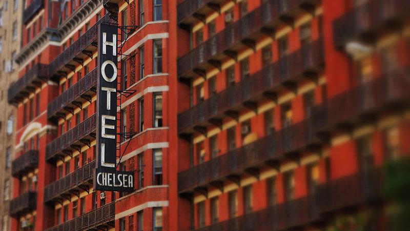 Hotéis assombrados que guardam espíritos e histórias de terror