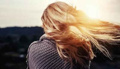 O seu cabelo está a cair? Desvende alguns mitos