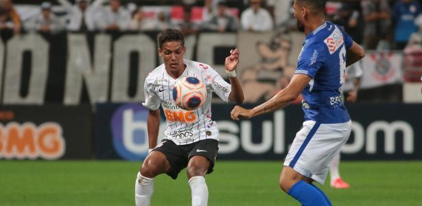 """Pedrinho já começou as despedidas no Corinthians: """"É um exemplo!"""""""