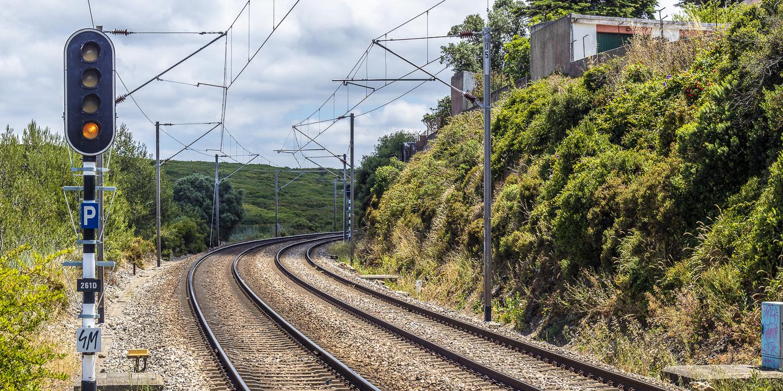 Atropelamento ferroviário na Linha do Norte em Gaia causa um morto