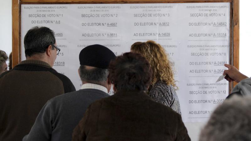 """Estudo revela que eleitores portugueses ainda """"votam com a carteira"""""""