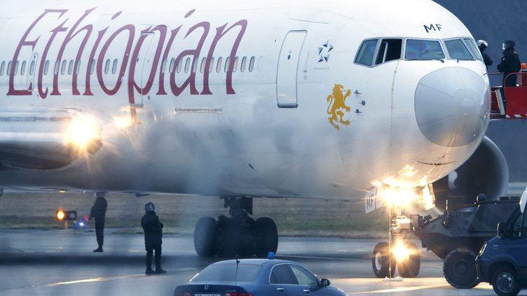 Detido copiloto da Ethiopian Airlines que sequestrou avião
