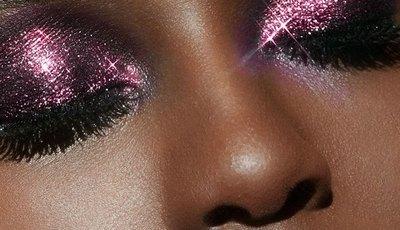 Glitter: 15 produtos de beleza para brilhar nas festas