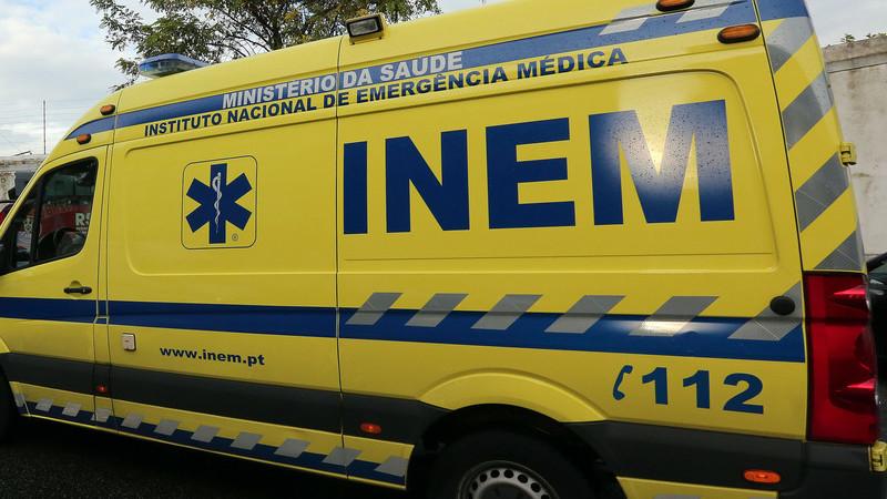 Queda de viatura numa ravina na serra da Lousã provoca um morto e dois feridos graves